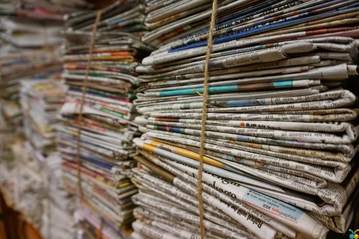 UAE halts distribution of print newspapers and magazines